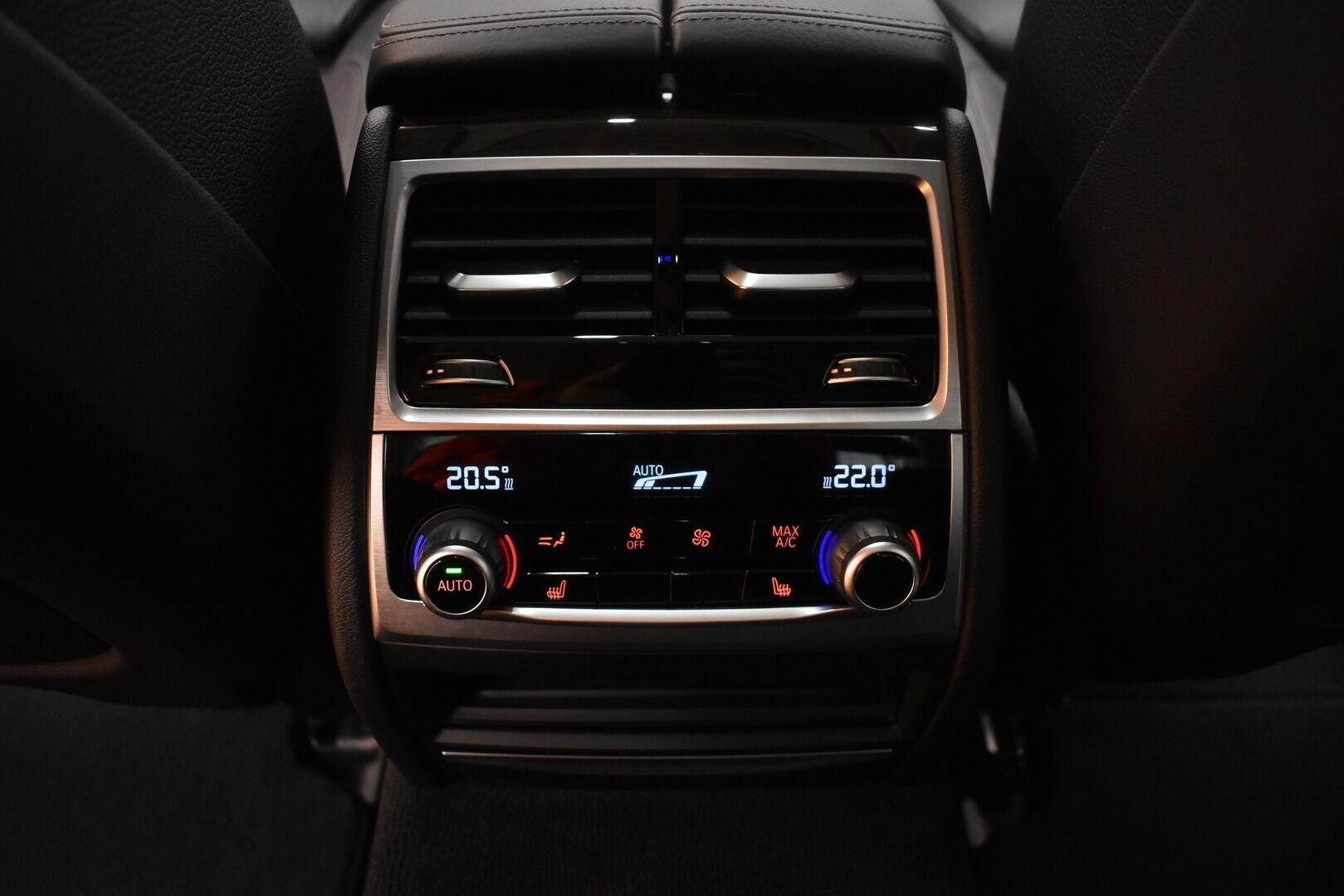 Harmaa Sedan, BMW 740 – VAN-96980, kuva 11
