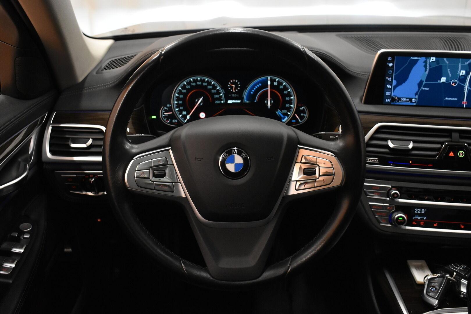 Harmaa Sedan, BMW 740 – VAN-96980, kuva 17