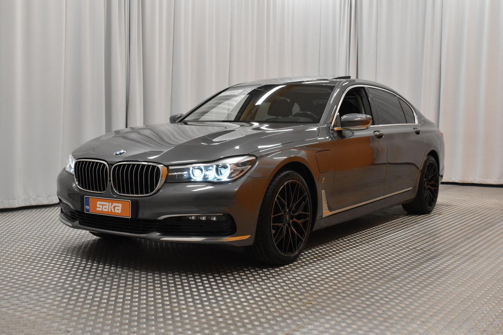 Harmaa Sedan, BMW 740 – VAN-96980, kuva 4