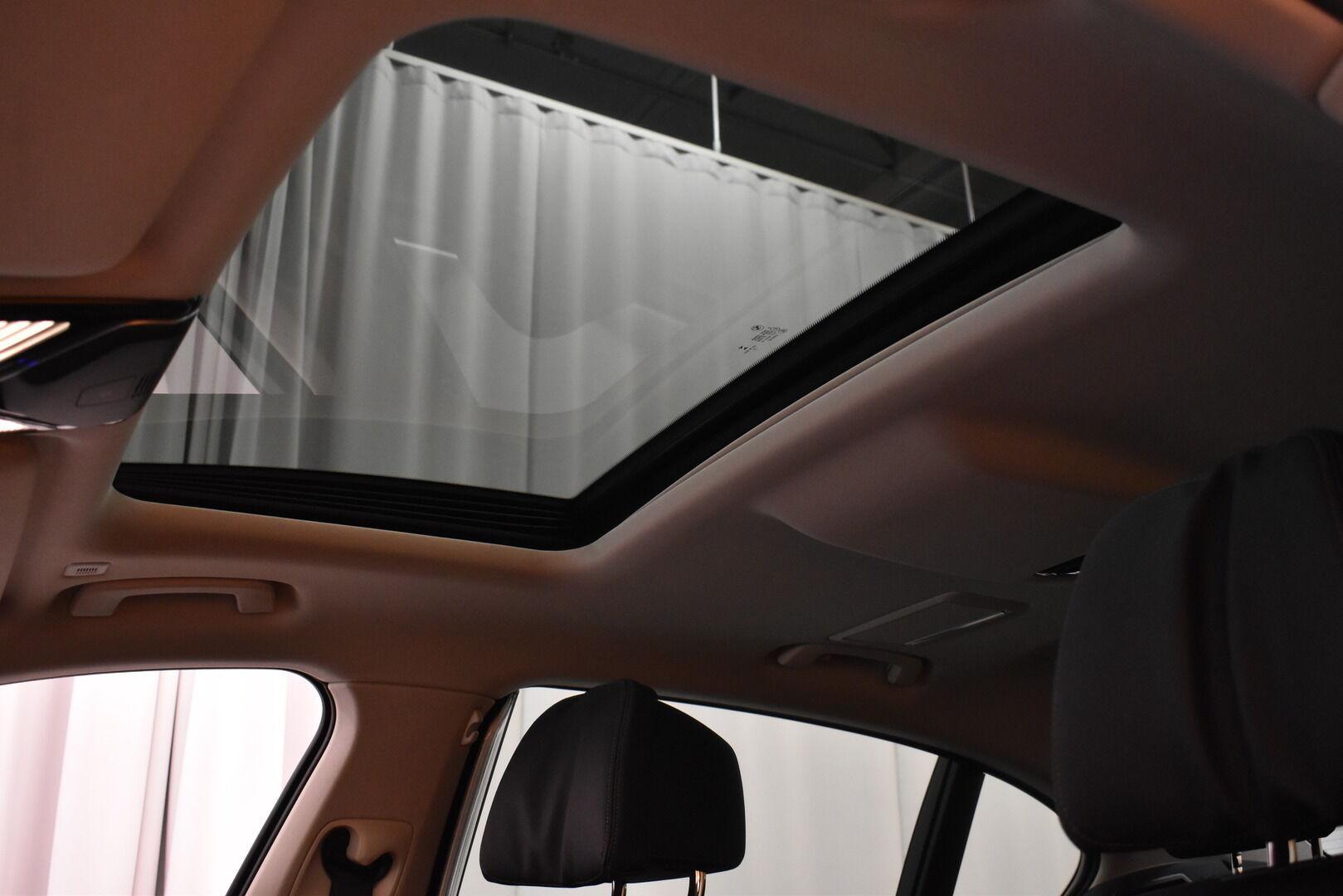 Harmaa Sedan, BMW 740 – VAN-96980, kuva 31